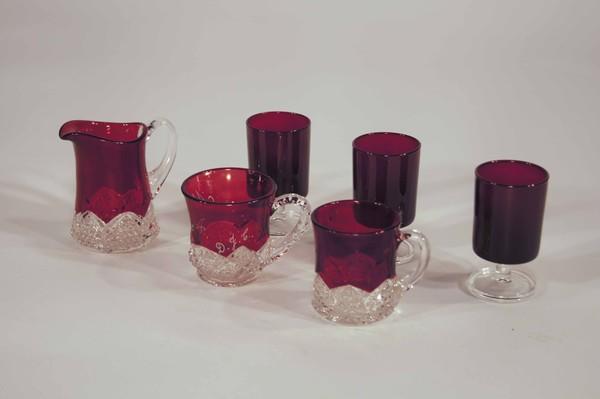 Dark red crystal cup set