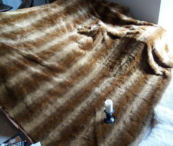 Astraka  Fox Faux Fur Throw