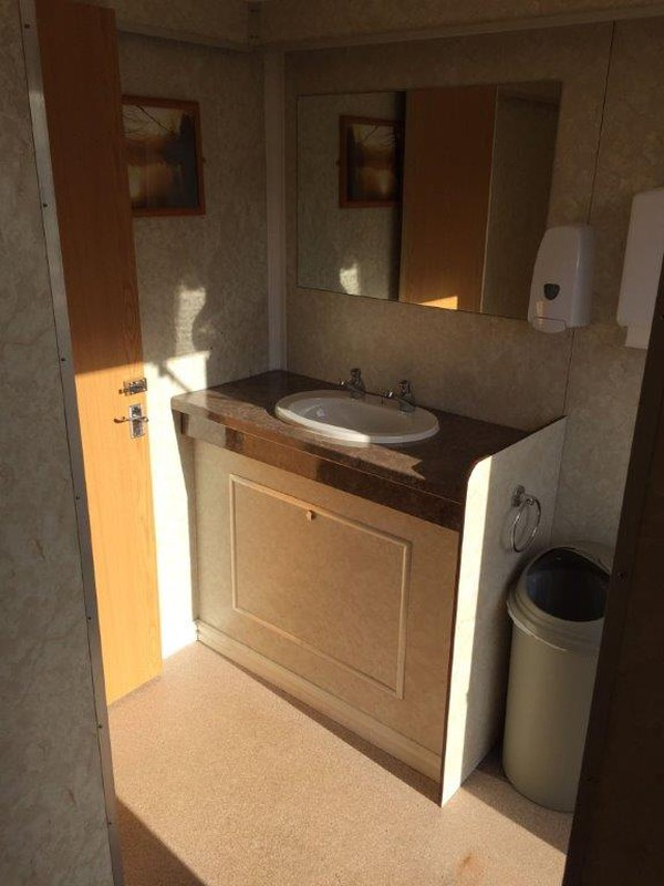 Luxury 3 + 1 Toilet Trailer
