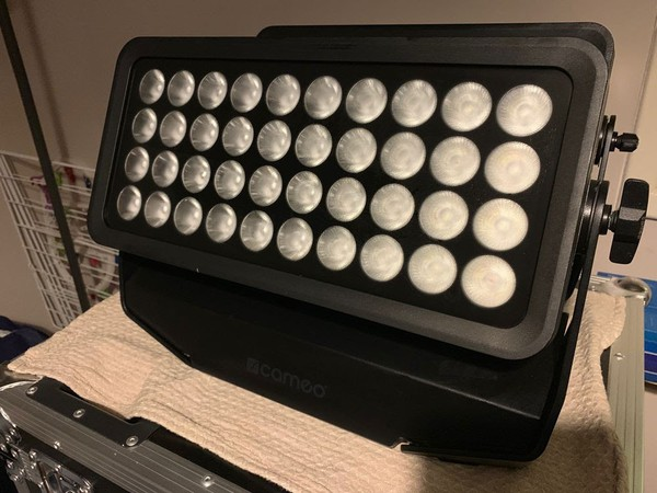 Used Cameo Zenit W600 outdoor LED Wash Light