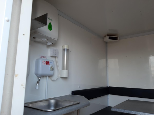16ft Boss Mobile Towable 10 Man Welfare Unit Open Plan - Lincolnshire 5