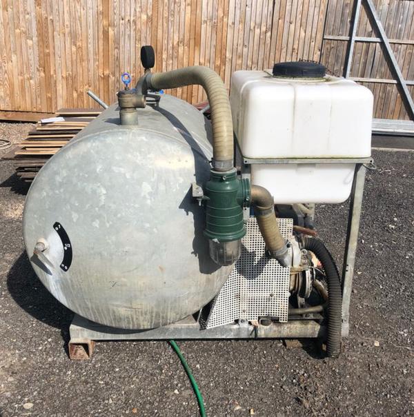 Secondhand vacuum tank