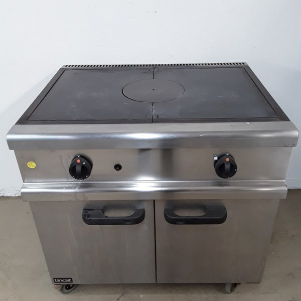 Flat top range cooker