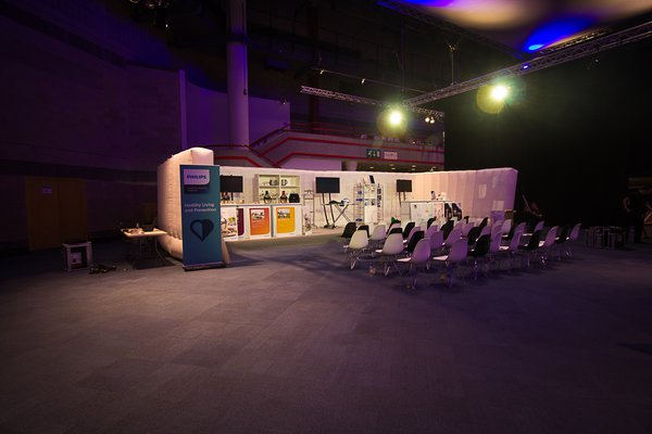 U shaped exhibition space