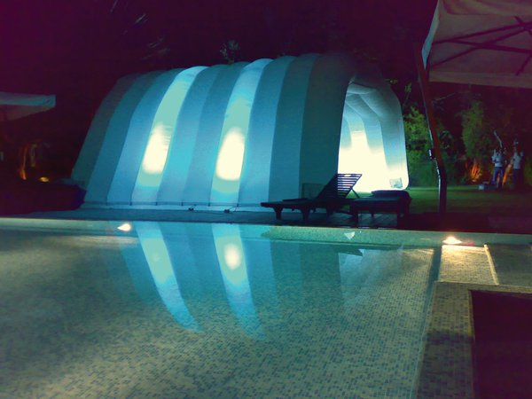 Inflatable air roof marquee