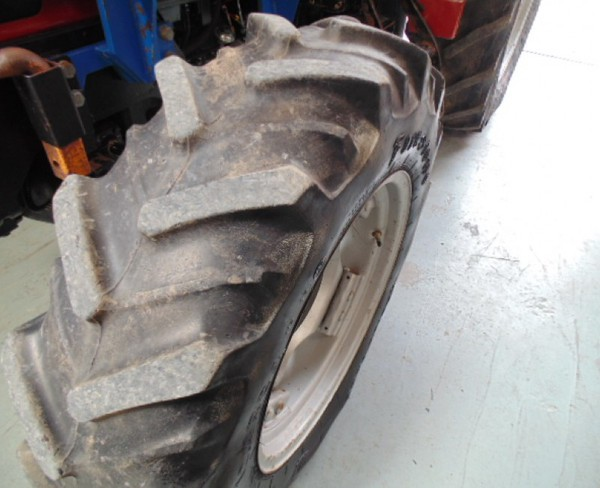 4WD tractor for