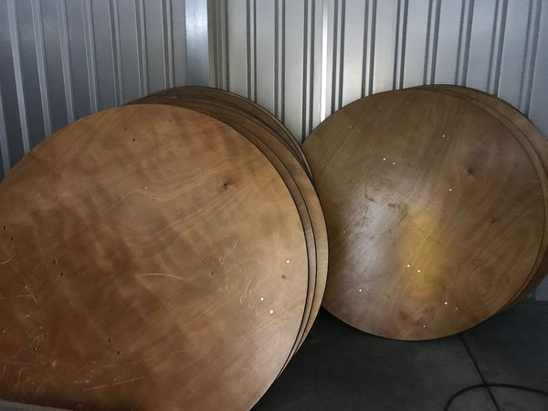 5Ft Round tables - For Sale