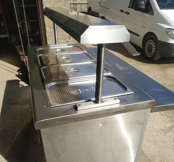 Wheeled carvery counter with bain Marie