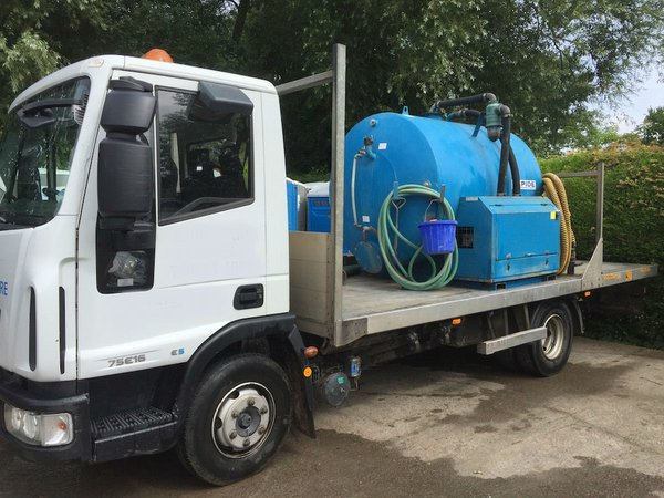 Vacuum tanker lorry for sale