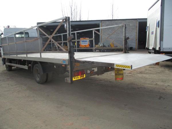 Tale lift wagon