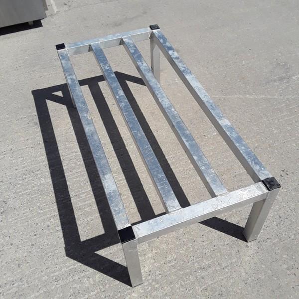 104cmW x 500cmD x 350cmH  Aluminium Stand (8795)