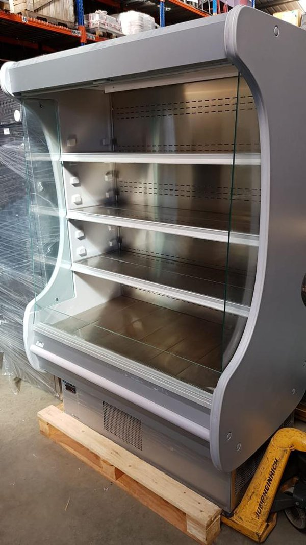 Multi deck fridge for chilled food and drinks