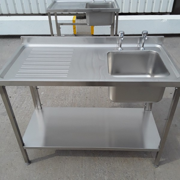 New B Grade Stainless Steel Single Bowl Sink	(A8826)