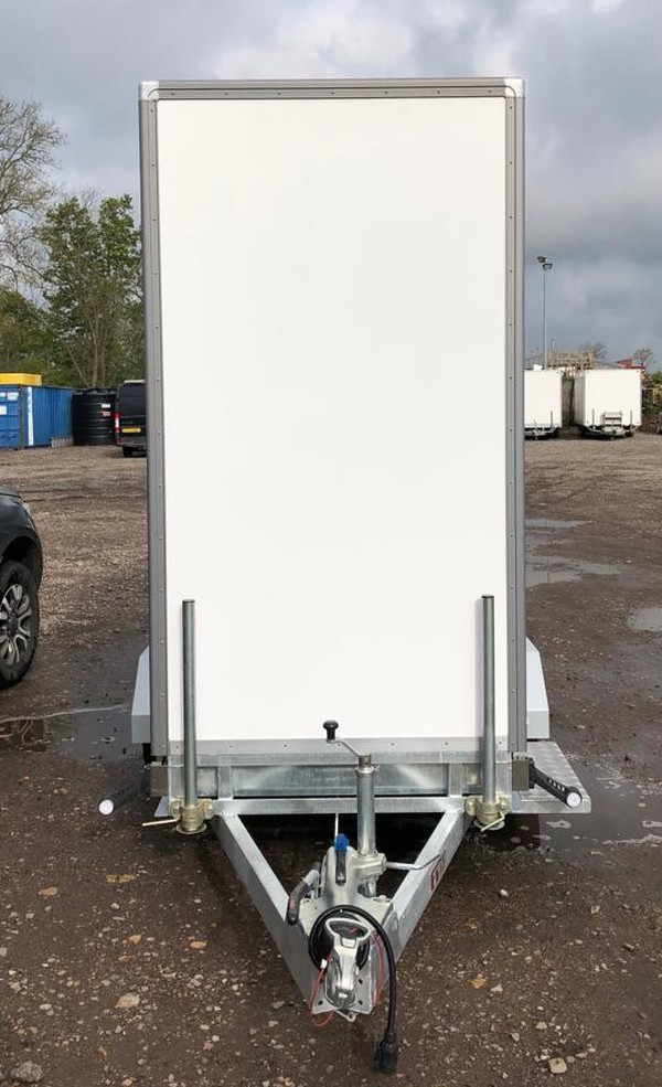 Single axle toilet trailer