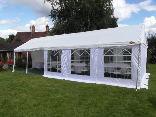 4m x 10m Marquee with Flooring & Lighting