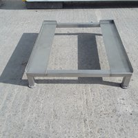 Used Stainless Steel Stand	(8865)