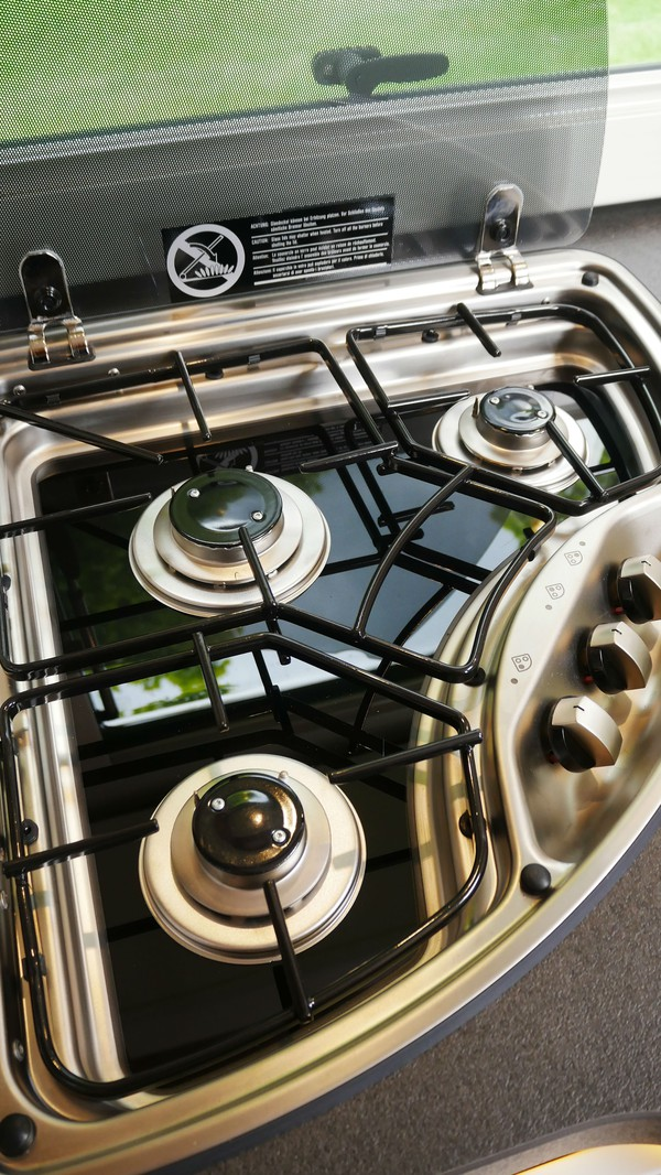 Gas hob three burner