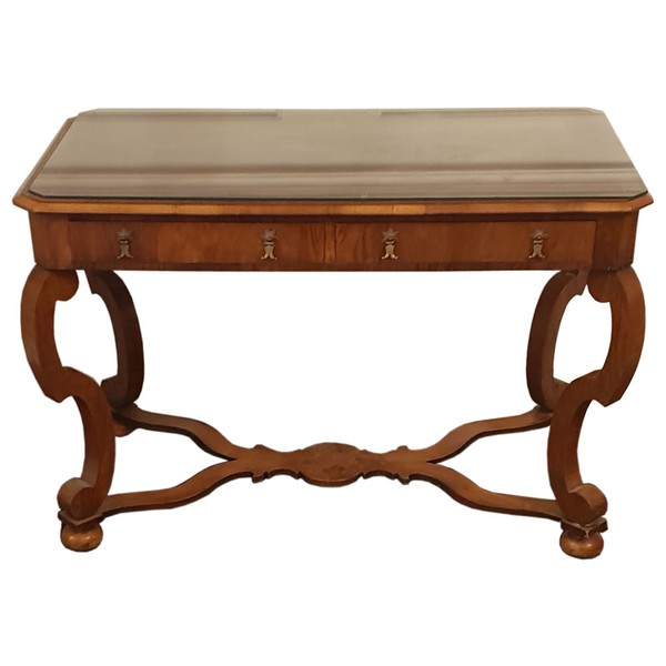 Luxury Traditional Desk