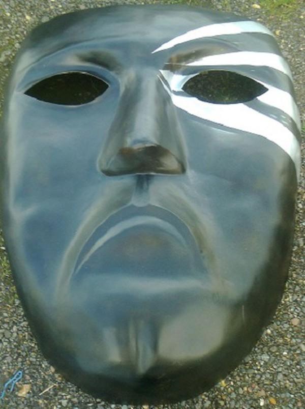 Large Mask Decorations