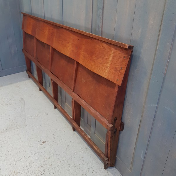 Fold flat church bench