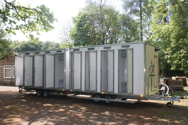 Used 4 bay shower units