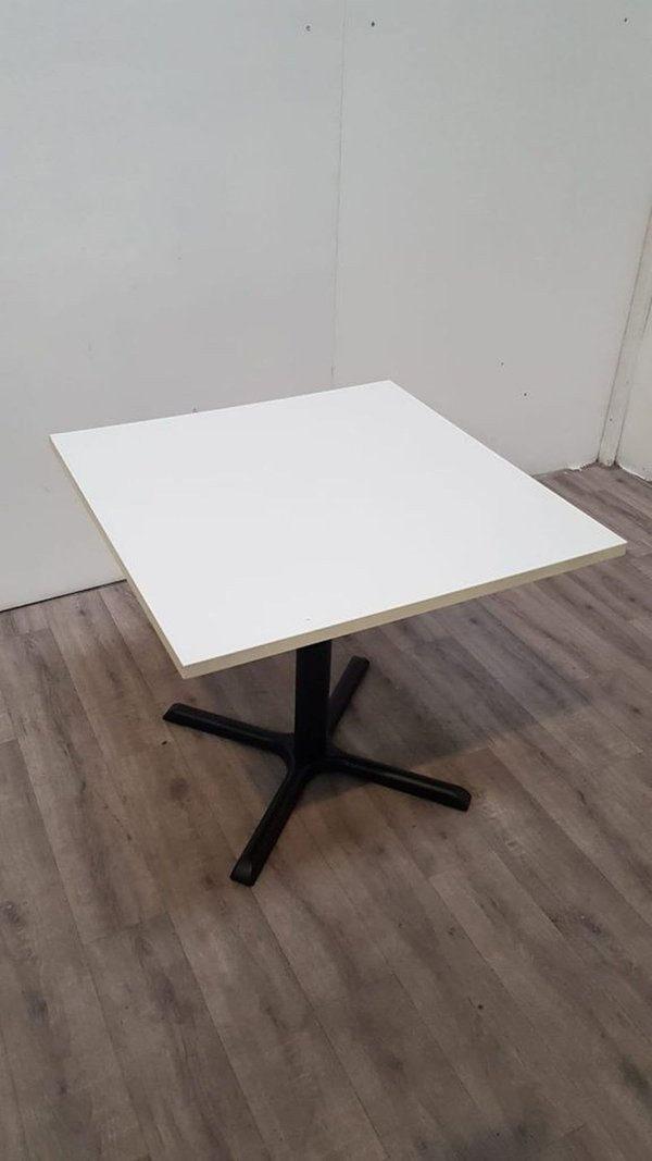 Cafe / restaurant tables