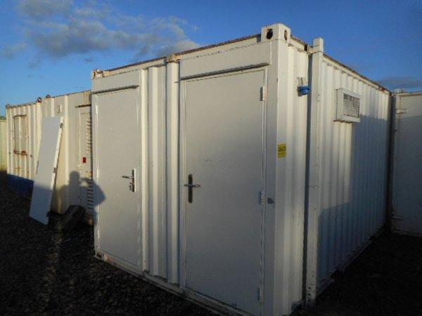 Anti Vandal 3 + 1 jack leg toilet cabin