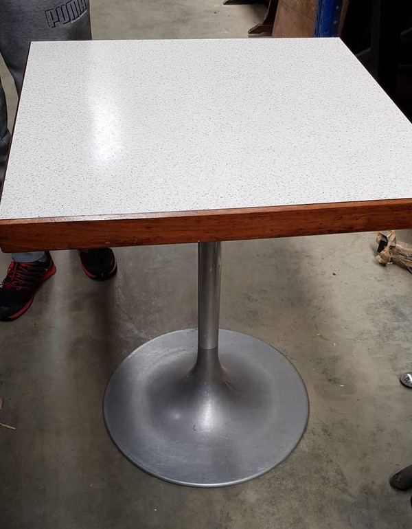 Square Laminated Tables and Base