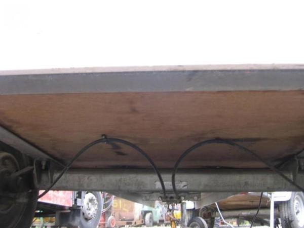 Plywood trailer base