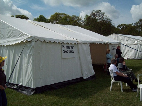 Market Makers 9m Marquee - Tube and Spigot Style