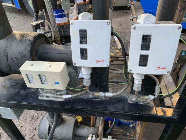 Compressor control gear