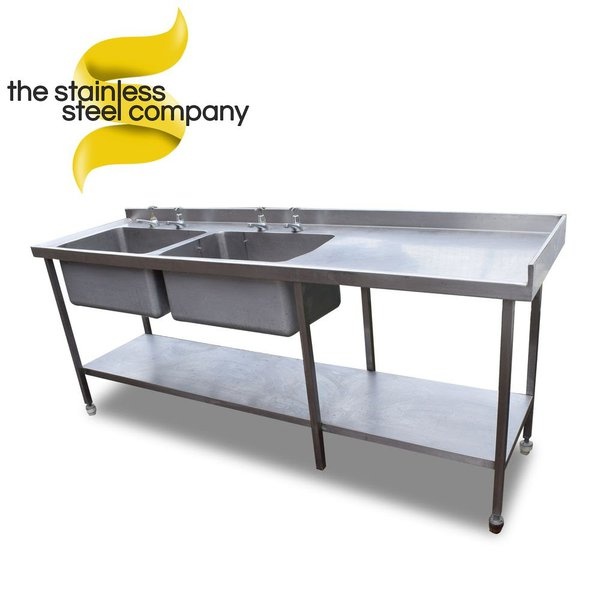 Large double sink with right hand drainer taps