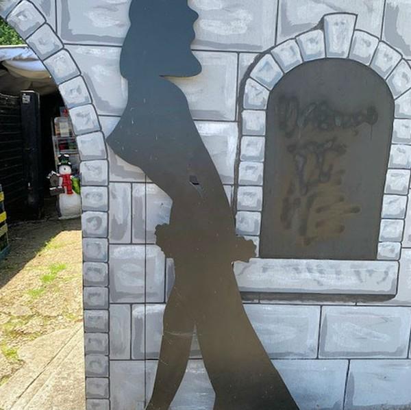 Bond girl silhouette