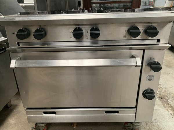 Six burner falcon oven