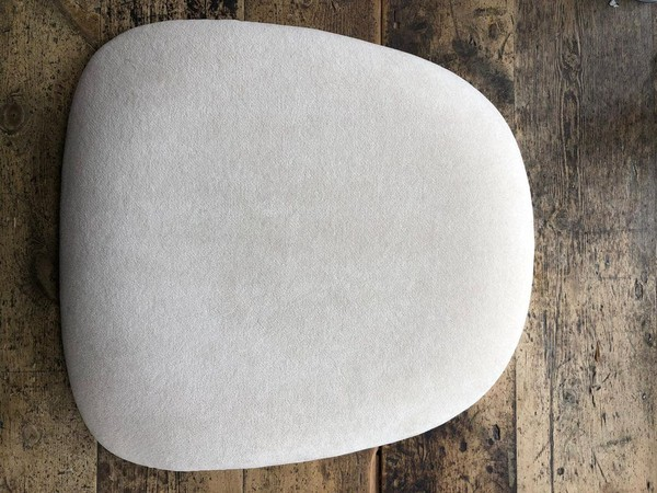 165x Pristine Ivory Chiavari Seat Pads (Swing Fabric)