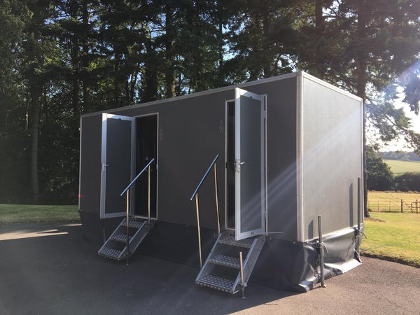 Luxury 3+1 re-circulating Toilet Trailer