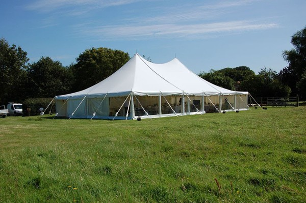 40ft wide wedding marquee