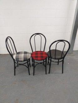 Black metal frame Hoopback chairs