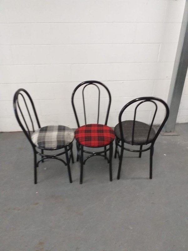 Black metal frame Hoopback chairs