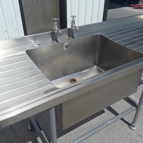 Deep single sink