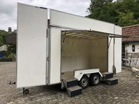 Exhibition trailer by Conway