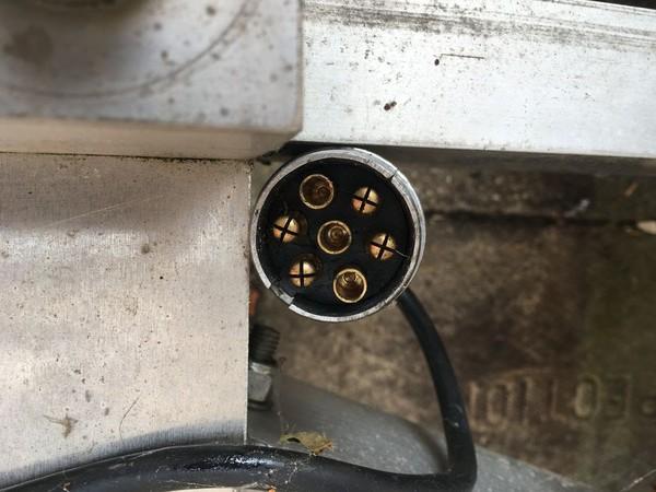 7 pin trailer plug