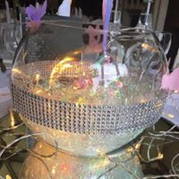 Fish bowls table decor