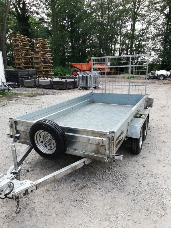 750kg trailer with ramp