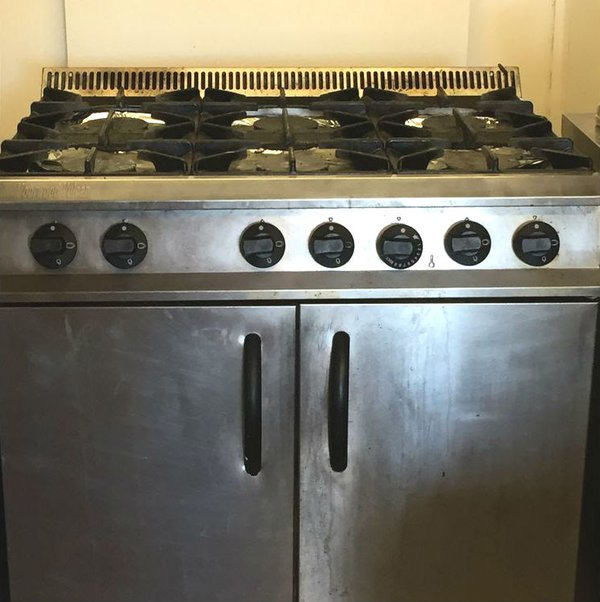 Six burner gas range
