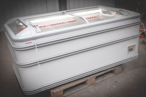Commercial Display Chest Freezer