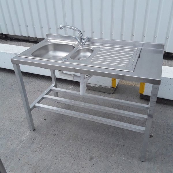 Free standing single sink