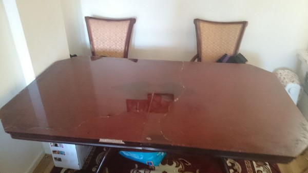 Reproduction pedestal dining table