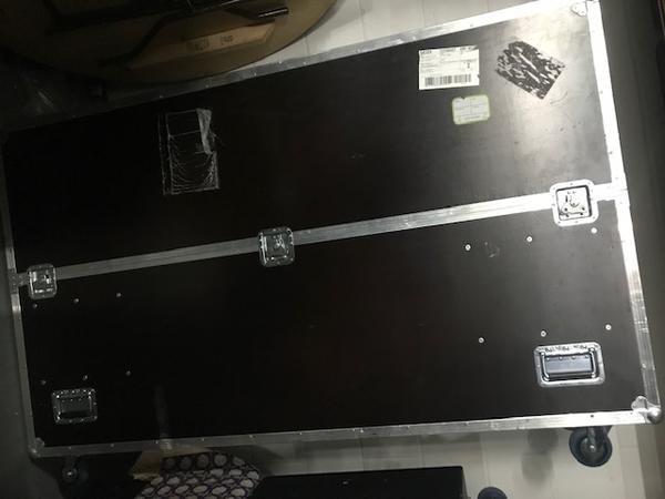 Plasma tv case