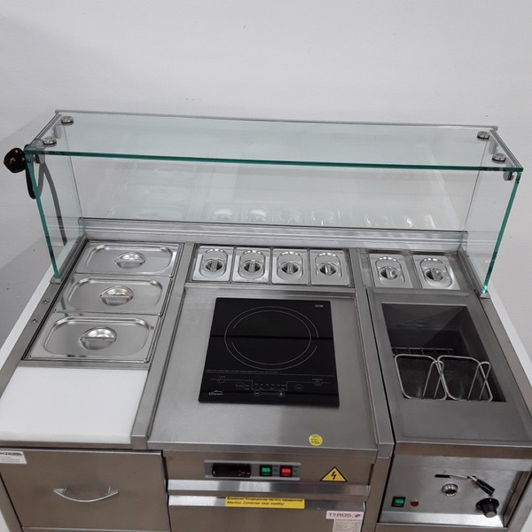 Cooking trolley with refrigeration and hob